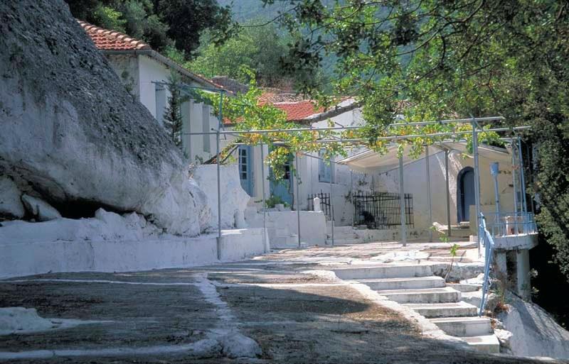 Μοναστήρια στο νησί της Λευκάδας - Φωτογραφία 4