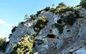 Η σπηλιά «προσωπείο» του θεού Διόνυσου στα βουνά του Βάλτου! (φωτο)