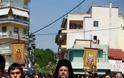 12179 - Ο ευσεβής λαός της Δράμας αποχαιρέτησε την Αγία Ζώνη - Φωτογραφία 4