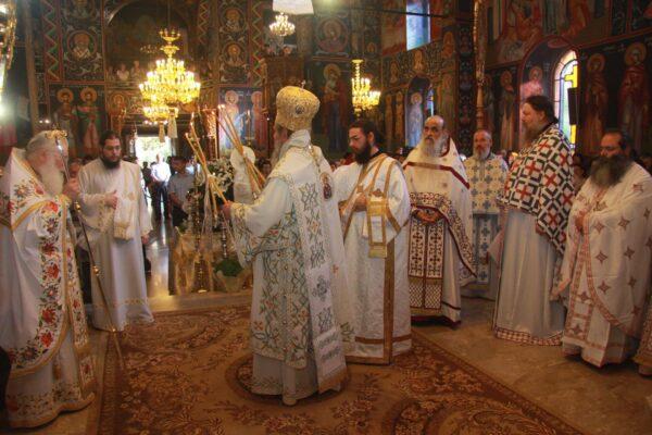 12179 - Ο ευσεβής λαός της Δράμας αποχαιρέτησε την Αγία Ζώνη - Φωτογραφία 19
