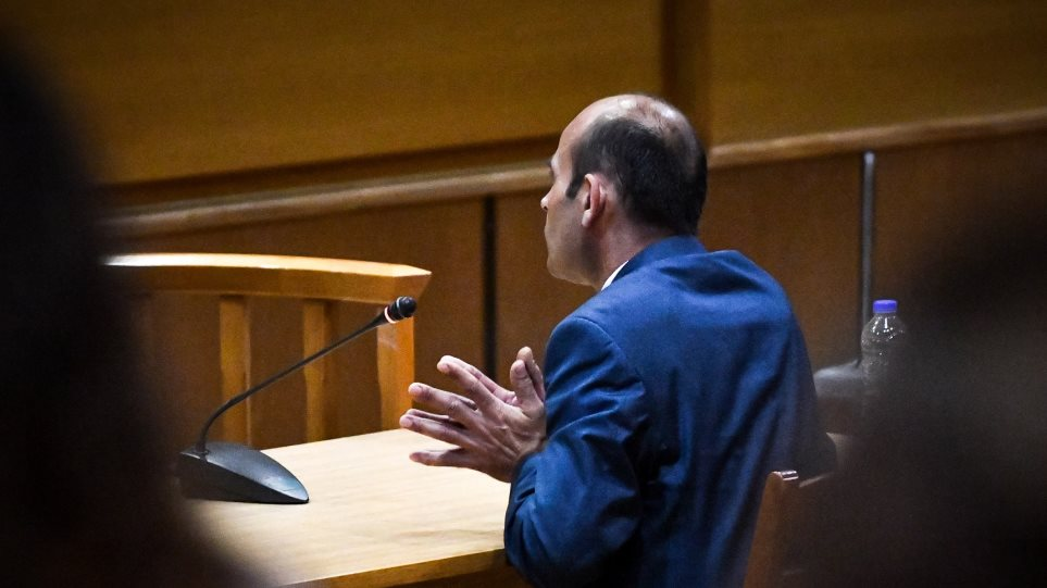 Κατηγορούμενος Κομιανός στη δίκη της ΧΑ: Δεν ξέρω τίποτα, από την τηλεόραση έμαθα για τη δολοφονία Φύσσα - Φωτογραφία 1