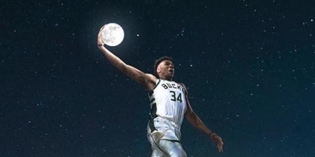 Η πιο επική εικόνα για τον Γιάννη Αντετοκούνμπο -Πάνω από τον Παρθενώνα, με μπάλα το φεγγάρι - Φωτογραφία 1