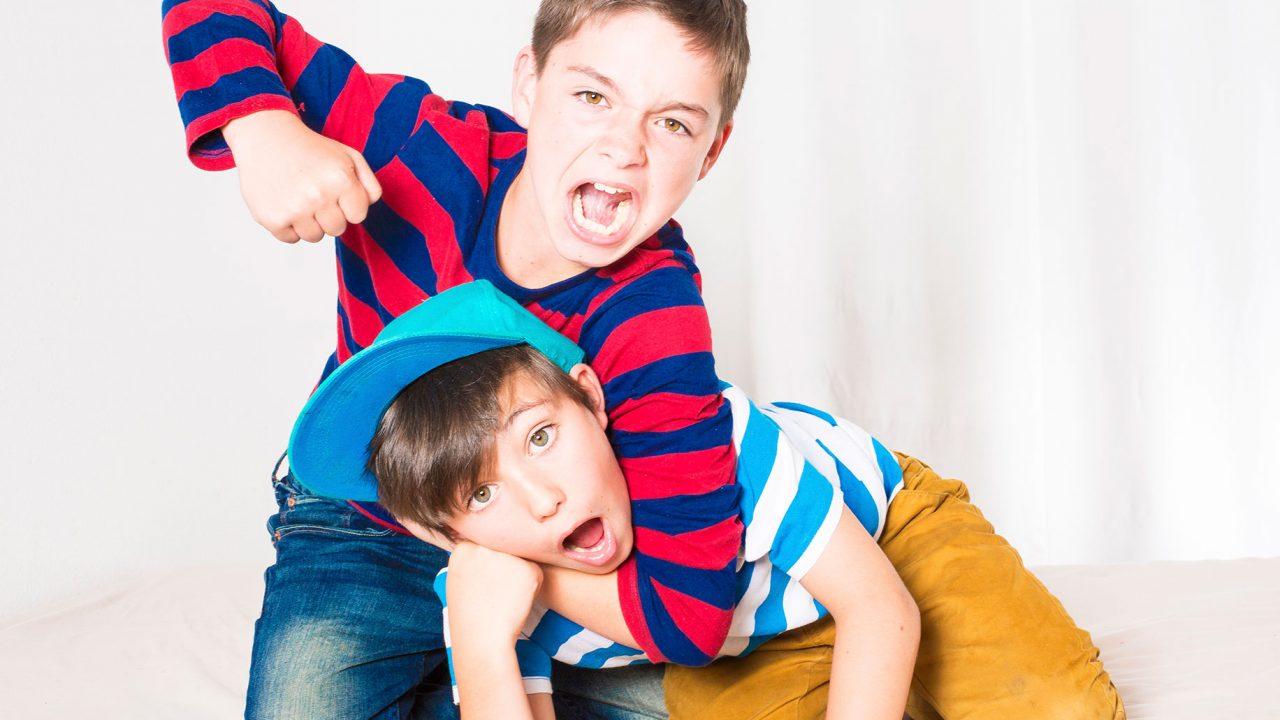 Bullying ανάμεσα στα αδέλφια; Και όμως υπάρχει - Φωτογραφία 1