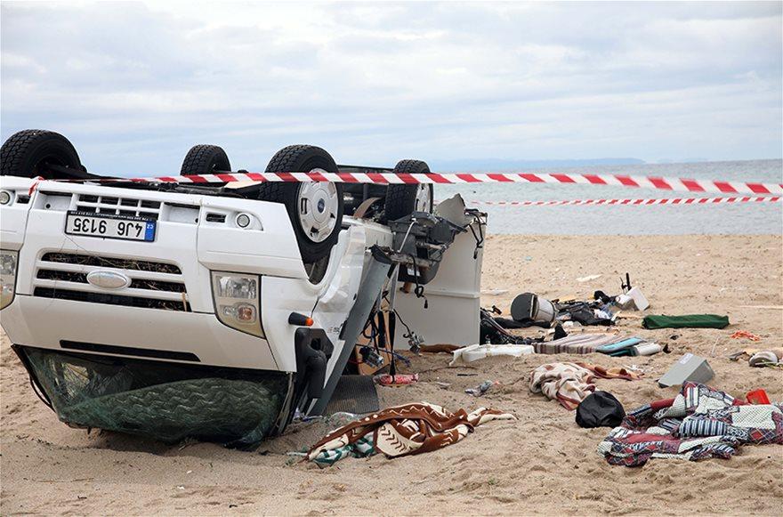 Χαλκιδική: Οι εικόνες - σοκ της καταστροφής - Φωτογραφία 18