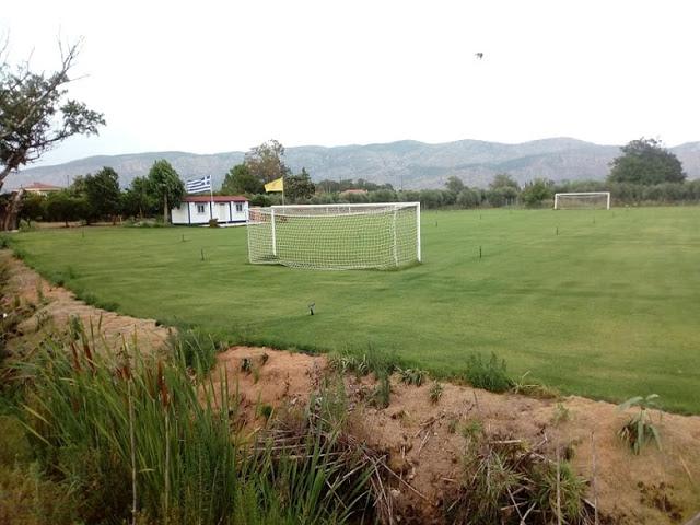 Παλαίμαχος του Άρη Αιτωλικού μετέτρεψε χωράφι σε προπονητικό γήπεδο για την αγαπημένη του ομάδα (φωτο) - Φωτογραφία 2