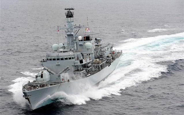 Ιρανικά πλοία «παρενόχλησαν» βρετανικό τάνκερ στο Στενό του Ορμούζ - Φωτογραφία 1