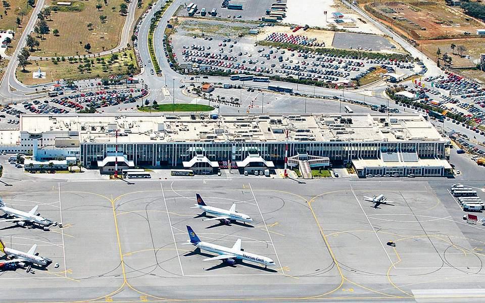 Μείωση αφίξεων 5% στα νησιά δείχνουν οι αεροπορικές κρατήσεις - Φωτογραφία 1