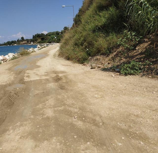 Καταγγελία ΠΑΛΑΙΡΟΣ: Απαράδεκτη η κατάσταση στον παραλιακό δρόμο Ποταμάκι -Λιμάνι Παλαίρου - Φωτογραφία 9