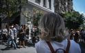 Αθήνα: Άντεξε η πόλη - Χιλιάδες κόσμου ανάστατοι στους δρόμους - Φωτογραφία 4