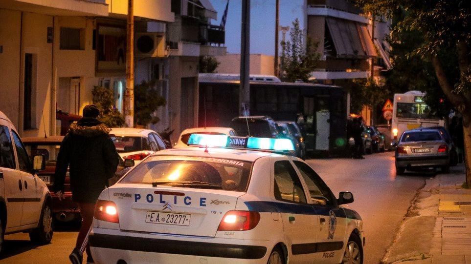 Συμπλοκή με πυροβολισμούς στο κέντρο της Αθήνας - Φωτογραφία 1