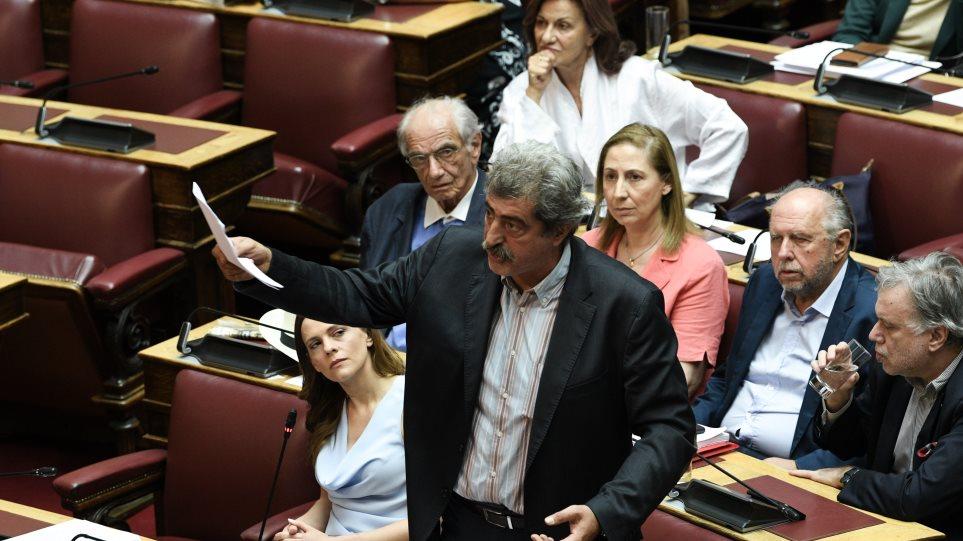 Ο ΣΥΡΙΖΑ αποχώρησε και από την ψηφοφορία που είχε ζητήσει ο ίδιος για το άσυλο - Φωτογραφία 1