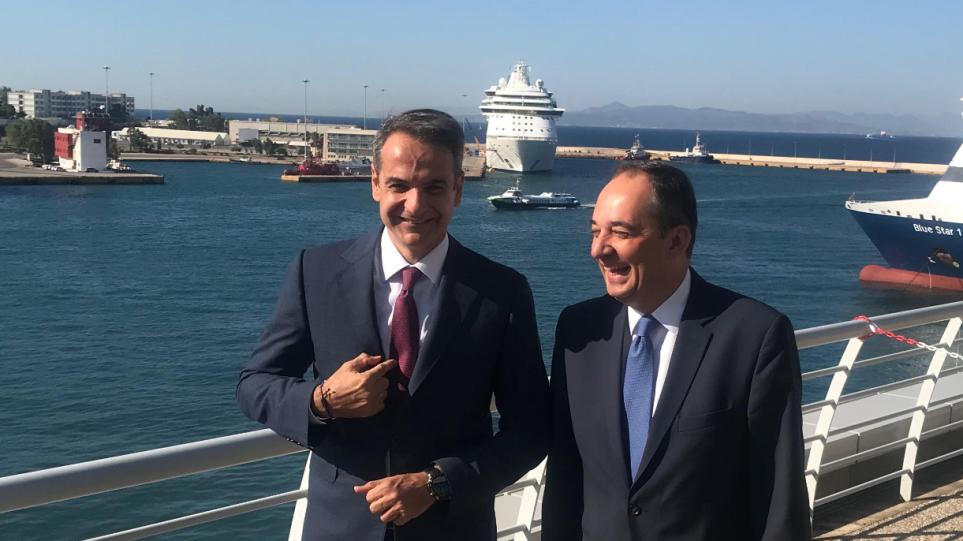 Κυριάκος Μητσοτάκης: Η επίσκεψη στο υπουργείο Ναυτιλίας και η γραβάτα με τις άγκυρες - Φωτογραφία 1