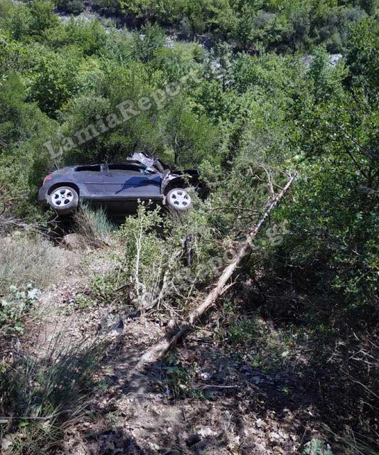 Ζωντανός ανασύρθηκε υπερήλικας οδηγός από τη Γαβαλού που έπεσε σε γκρεμό - Φωτογραφία 3