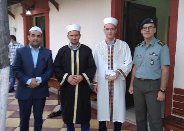 Γλυκά και ευχές από το ΔΣΣ στους Μουσουλμάνους της Ξάνθης με την ευκαιρία του Μπαϊραμιού - Φωτογραφία 1