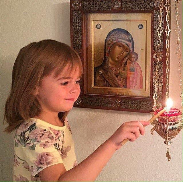 Το παιδί στην Παναγία - Φωτογραφία 1