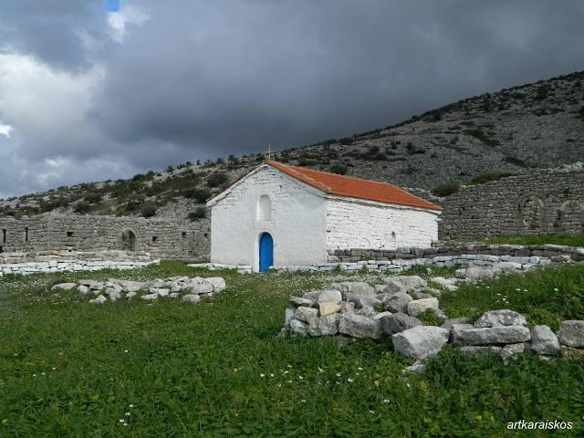 Το μοναστήρι της ΠΑΝΑΓΙΑΣ ΖΑΠΑΤΙΝΑΣ στο ΑΡΧΟΝΤΟΧΩΡΙ Ξηρομέρου -[φωτο] - Φωτογραφία 1