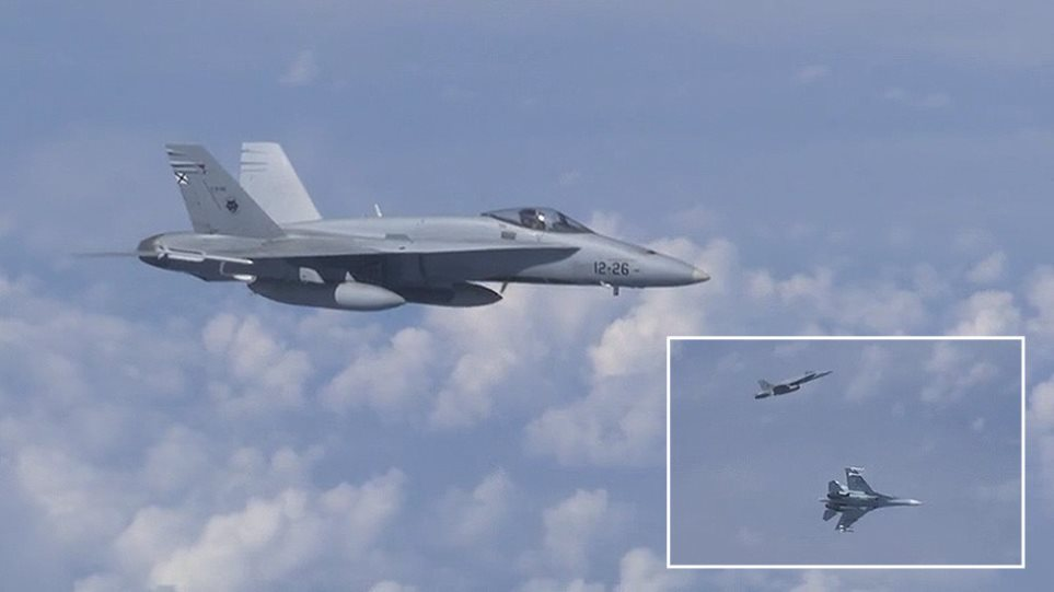 Σουκχόι καταδιώκουν F-18 που προσέγγισε το αεροσκάφος του υπουργού Άμυνας της Ρωσίας! - Φωτογραφία 1