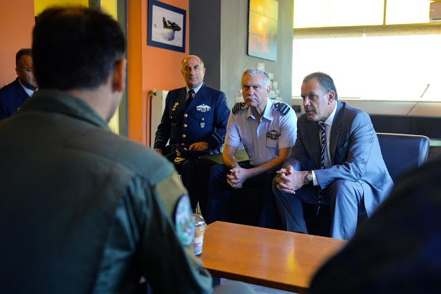 Δεκαπενταύγουστος με τους πιλότους των Καναντέρ για τον ΥΕΘΑ Νίκο Παναγιωτόπουλο - Φωτογραφία 1