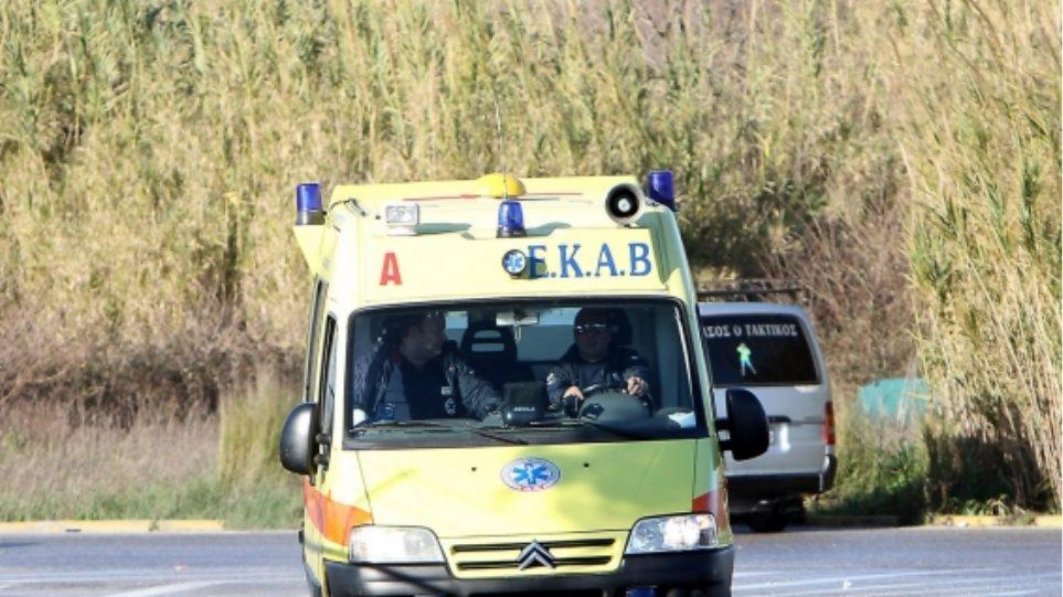 Ένας νεκρός και δύο τραυματίες σε τροχαίο - Φωτογραφία 1