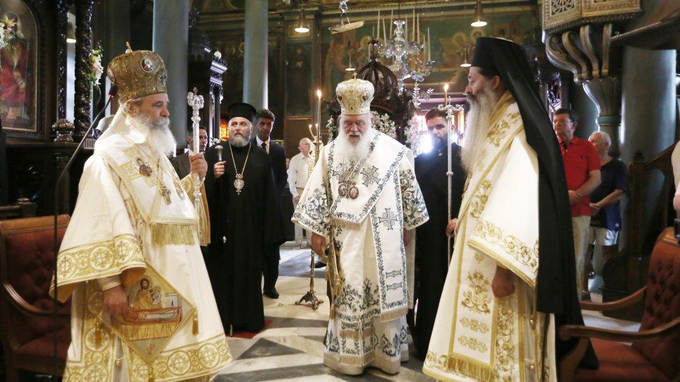 Αρχιεπίσκοπος Ιερώνυμος από την Ύδρα: «Αυτός ο τόπος πήγε μπροστά όταν ήταν ενωμένος και αγαπημένος» - Φωτογραφία 1
