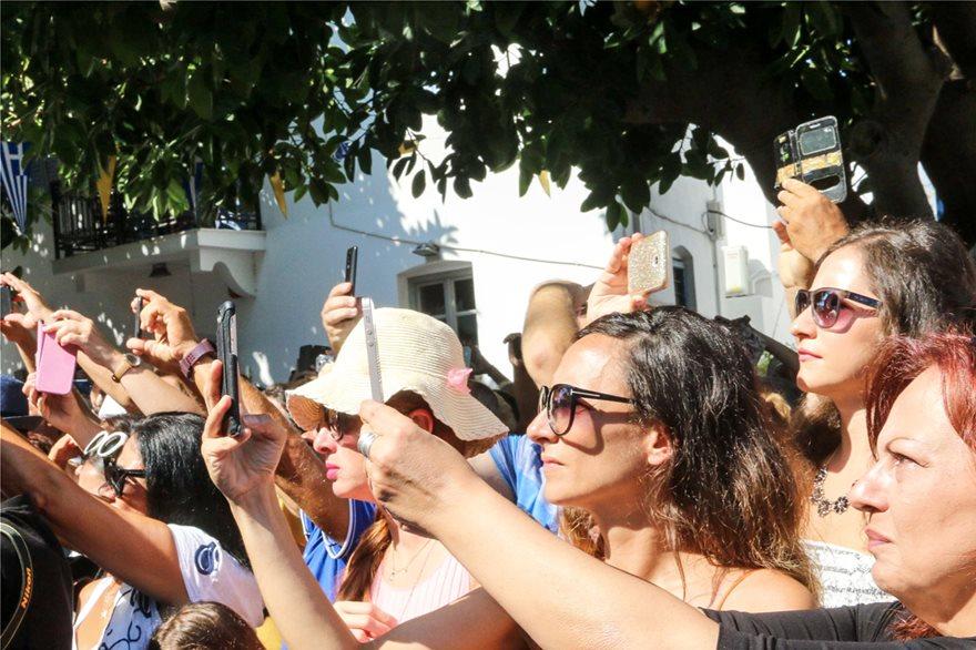 Με λαμπρότητα ο εορτασμός της Κοίμησης της Θεοτόκου στην Παναγία την Εκατονταπυλιανή - Φωτογραφία 4