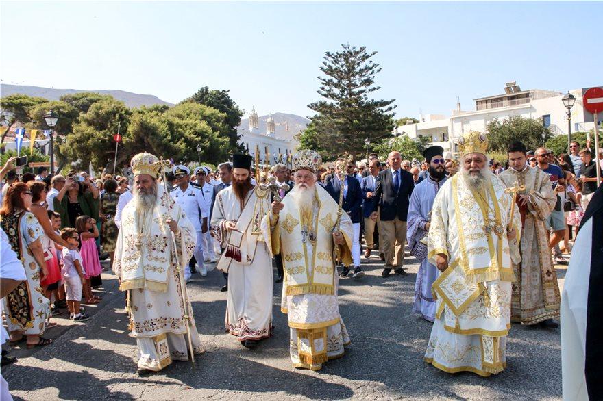 Με λαμπρότητα ο εορτασμός της Κοίμησης της Θεοτόκου στην Παναγία την Εκατονταπυλιανή - Φωτογραφία 5