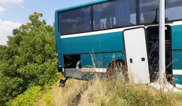 Γρεβενά: Τρόμος για επιβάτες λεωφορείου ΚΤΕΛ - Λύθηκε το χειρόφρενο και πήγαινε στον γκρεμό! - Φωτογραφία 1