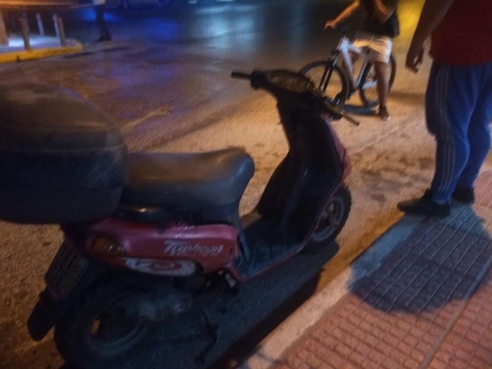ΑΡΤΕΜΙΔΑ: Τροχαίο στην Λ.Αρτέμιδος - Φωτογραφία 2