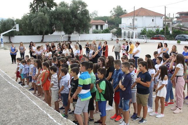 Έναρξη σχολικής χρονιάς - Αγιασμός στο Δημοτικό Σχολείο ΚΑΤΟΥΝΑΣ με το φακό του ΠΑΝΟΥ ΤΣΟΥΤΣΟΥΡΑ - Φωτογραφία 37