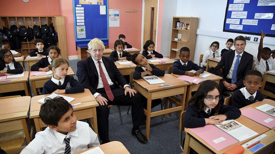ΒΙΝΤΕΟ.Ο Μπόρις Τζόνσον αψηφά τον νόμο: «Το Brexit θα γίνει στις 31 Οκτωβρίου» - Φωτογραφία 1