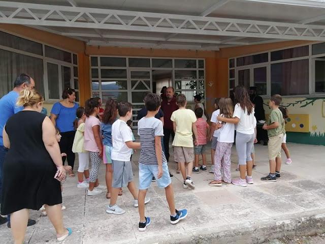 Aγιασμός στο Δημοτικό Σχολείο ΠΑΛΙΑΜΠΕΛΩΝ για τη νέα σχολική χρονιά [ΦΩΤΟ] - Φωτογραφία 15