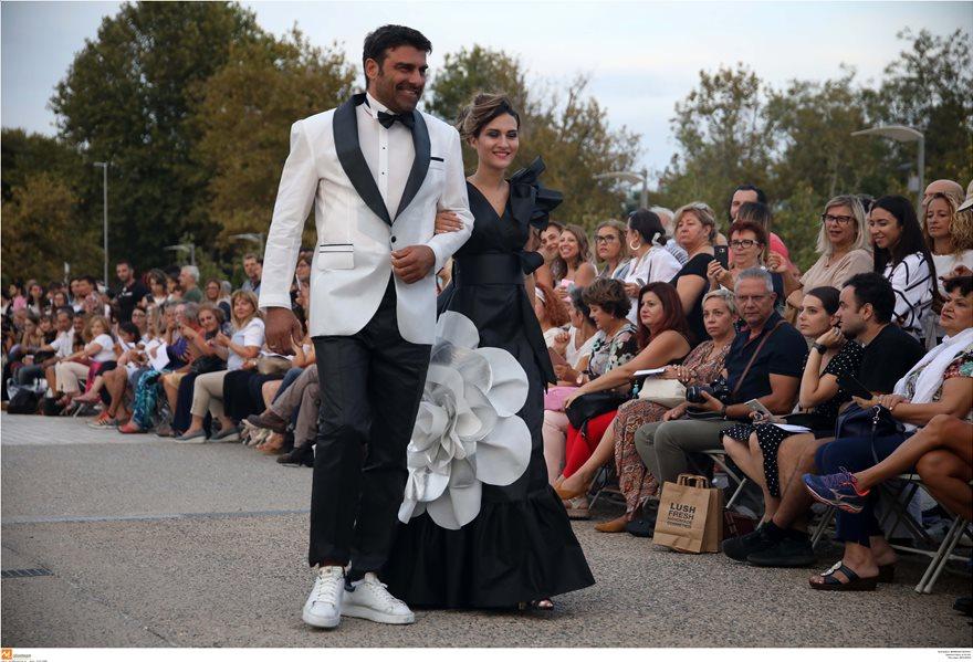 Επίδειξη μόδας με ρούχα από ανακυκλώσιμα υλικά στη Θεσσαλονίκη - Φωτογραφία 5