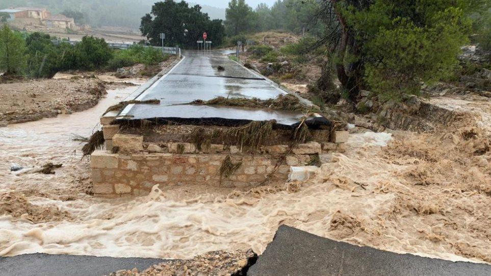 Κατακλυσμός στην Ισπανία - Δύο νεκροί από τη σφοδρή κακοκαιρία - Φωτογραφία 1