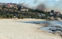 Φωτιά ανάμεσα σε Λαγονήσι και Σαρωνίδα σε περιοχή με σπίτια - Έκκληση εκκένωσης της περιοχής.