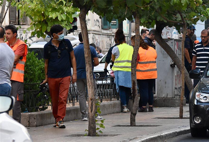 ΕΛΑΣ: Δείτε φωτογραφίες από Πρόσφυγες στην Αχαρνών - Βρήκαν και πιστόλια - Φωτογραφία 12
