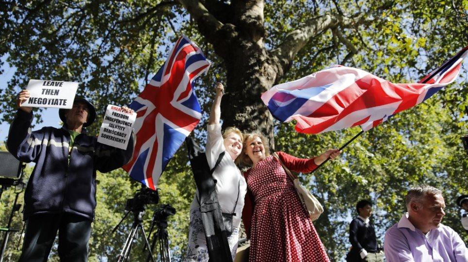 Βρετανία: To «ψυχόδραμα» του brexit εκτοξεύει το κόμμα των Φιλελευθέρων Δημοκρατών - Φωτογραφία 1