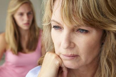 Σημάδια ότι έχετε μεγαλώσει με μια Τοξική Μητέρα και πώς να την μειώσετε - Φωτογραφία 1