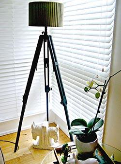 ΚΑΤΑΣΚΕΥΕΣ - Το τρίποδο της φωτογραφικής μας μηχανής μετατρέπεται σε ένα πολύ όμορφο φωτιστικό! - Φωτογραφία 1