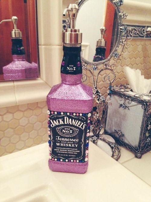 ΚΑΤΑΣΚΕΥΕΣ - Φτιάξε ένα δοχείο για σαπούνι από μπουκάλι Jack Daniel's - Φωτογραφία 2
