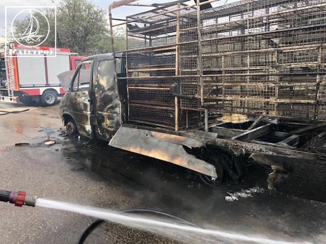 Κάηκε ολοσχερώς φορτηγό με κοτόπουλα στην Αμφιλοχία - [ΦΩΤΟ] - Φωτογραφία 5