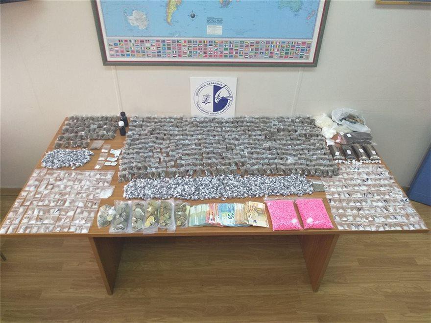 Εξαρθρώθηκε σπείρα που διακινούσε ναρκωτικά όλο το 24ωρο δίπλα στην ΑΣΟΕΕ! - Φωτογραφία 18