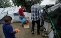 Λέσβος : Η αλληλεγγύη των γιατρών έσωσε 12χρονο πρόσφυγα χωρίς ΑΜΚΑ