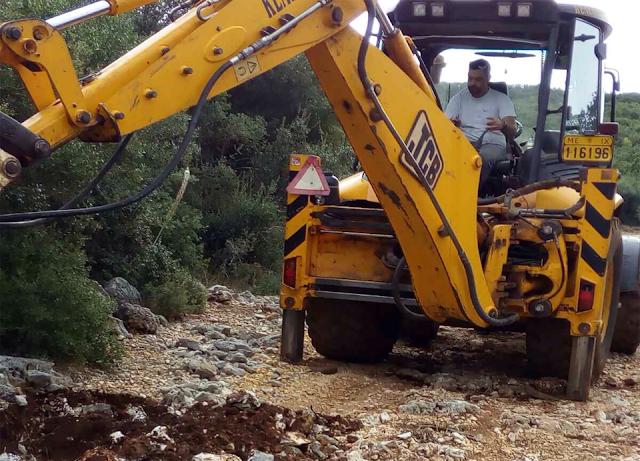 ΑΕΤΟΣ Ξηρομέρου: Επισκευάζουν τον δρόμο που οδηγεί στον Αϊ - Δημήτρη ενόψει της εορτής του - [ΦΩΤΟ] - Φωτογραφία 12