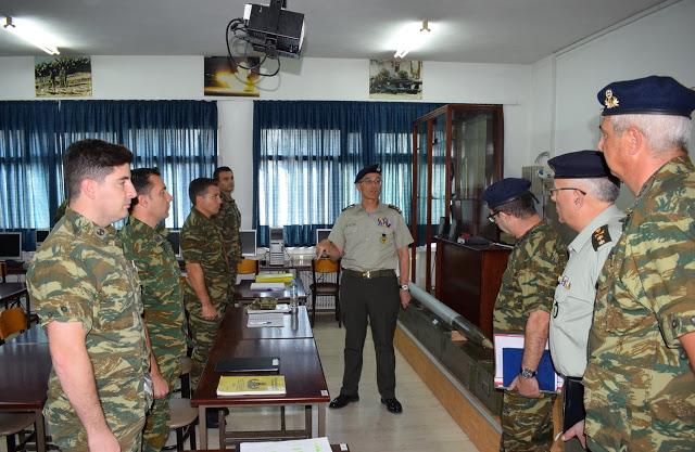Επίσκεψη Αρχηγού Γενικού Επιτελείου Στρατού στο Κέντρο Εκπαιδεύσεως Πυροβολικού και Υλικού Πολέμου - Φωτογραφία 2