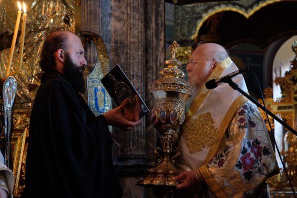 12628 - Η Θεία Λειτουργία ιερουργούντος του Οικουμενικού Πατριάρχη στην Αθωνική Πολιτεία- Στιγμές κατάνυξης και ψυχικής αγαλλίασης (φωτογραφίες) - Φωτογραφία 4