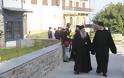 12630 - Φθάνουν οι Ηγούμενοι και Αντιπρόσωποι των Μονών στις Καρυές για την Επίσημη Υποδοχή του Πατριάρχη - Φωτογραφία 11