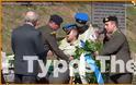 Λιποθυμία στρατονόμου παρουσία ΥΦΕΘΑ σε εκδήλωση στο Μέτσοβο (ΒΙΝΤΕΟ-ΦΩΤΟ) - Φωτογραφία 2