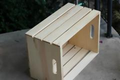 ΚΑΤΑΣΚΕΥΕΣ - DIY: Πώς να Μετατρέψετε ένα Απλό Ξύλινο Κιβώτιο σε ένα Μίνι Wine Bar