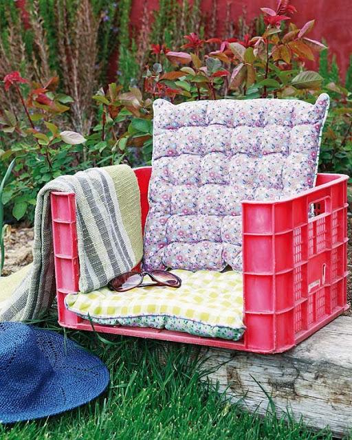 ΚΑΤΑΣΚΕΥΕΣ - DIY Καρέκλα Κήπου Από Πλαστικά κιβώτια - Φωτογραφία 1