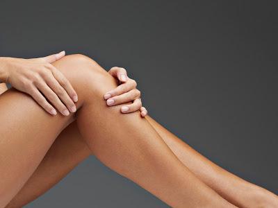 Λόγοι που μπορεί να πονούν τα πόδια σας. Απλές αιτίες αλλά και πολύ σοβαρές - Φωτογραφία 1
